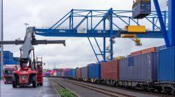 Fressnapf-Gruppe hat erstmals einen Zug von China nach Duisburg auf die Schiene gebracht