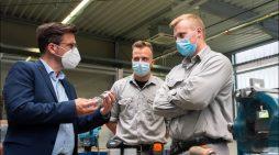 SPD-Politiker zu Gast in Ausbildungswerkstatt von ArcelorMittal Duisburg