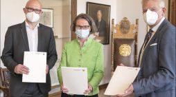 Städtebauförderung für Duisburg: Ministerin Scharrenbach übergibt Förderbescheide an Oberbürgermeister Link