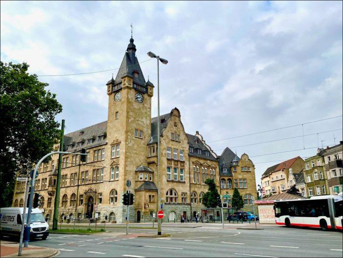 Duisburg-Hamborn: Sanierung des Rathaus-Turms erfolgreich abgeschlossen