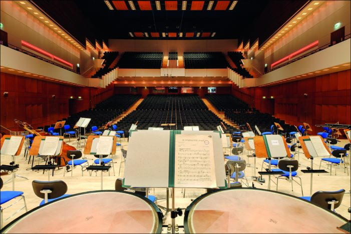 Duisburger Philharmoniker feiern vielstimmigen Saisonauftakt