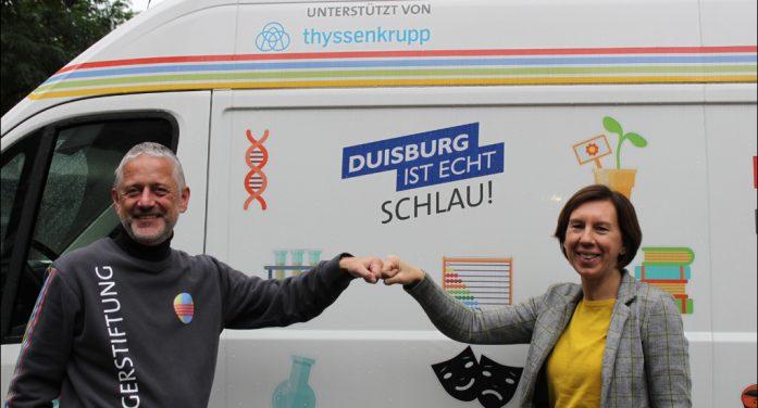 Bildungsbus der Bürgerstiftung Duisburg: Experimente auf vier Rädern